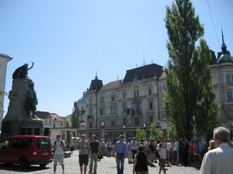 Preseren square, where Hristijan and Antonija meet up